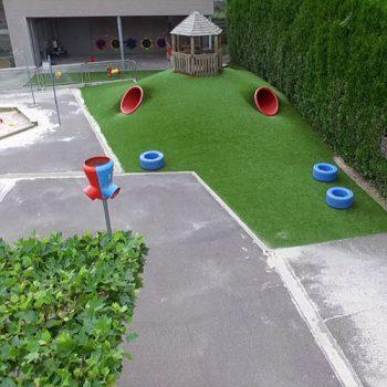 Kunstgras speelheuvel