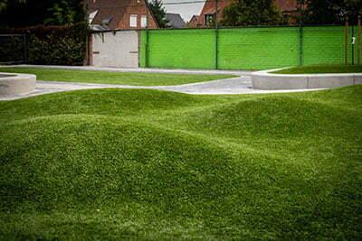 Schoolplein grasveld