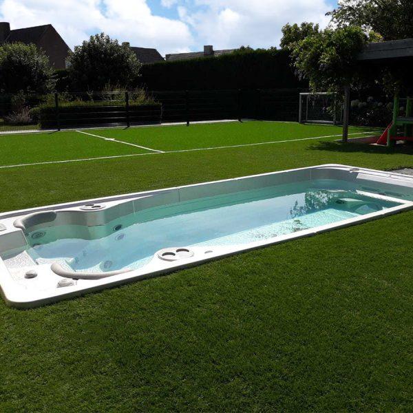 Inbouwzwembad kunstgras