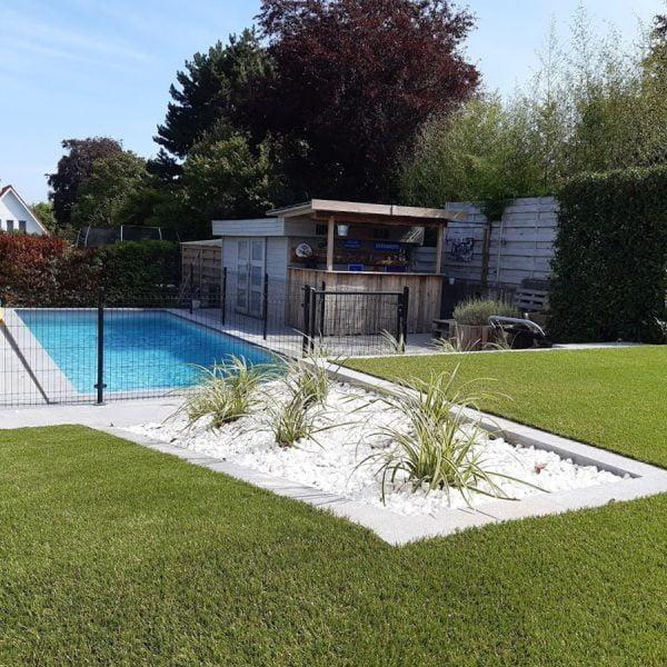inbouw zwembad kunstgras