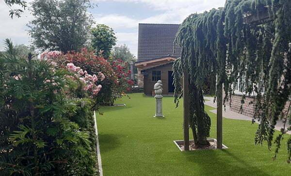 Afboording kunstgras tuin