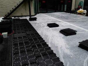(TIJDENS)-Plaatsing-van-de-drainage-platen